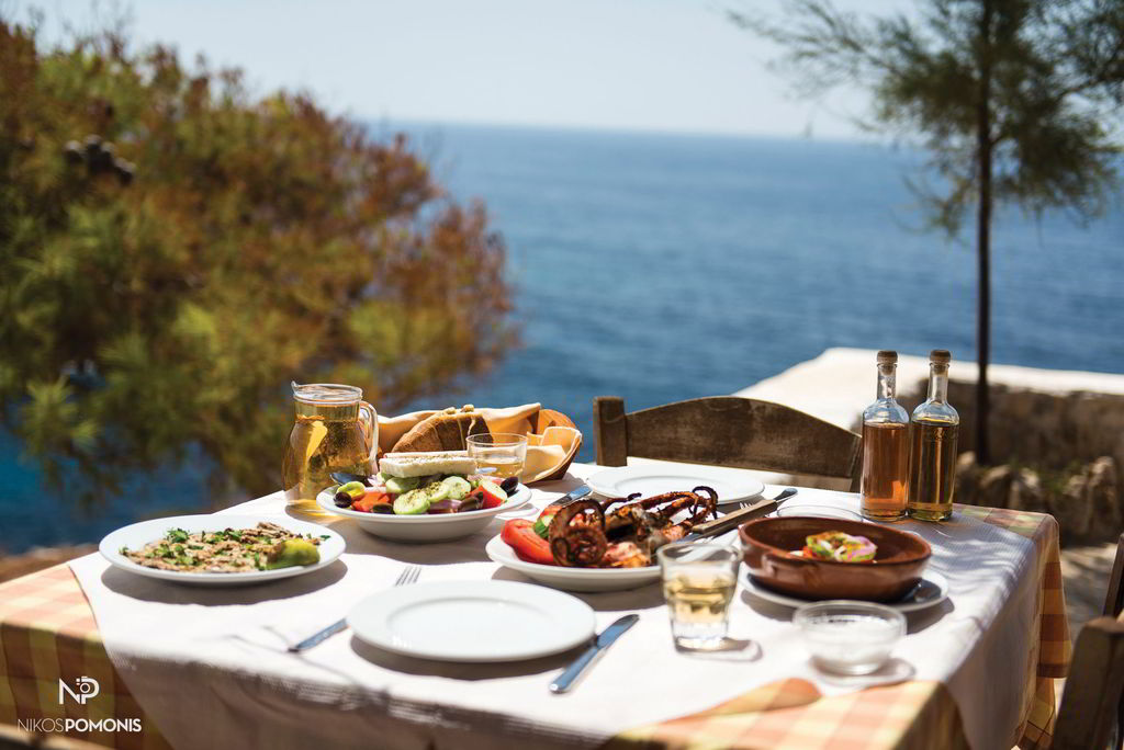 Fresh fish, excellent appetizers, authentic traditional recipes with pure, fresh ingredients and local wine can be enjoyed in many restaurants throughout the island, with fascinating views. Discover them!!
