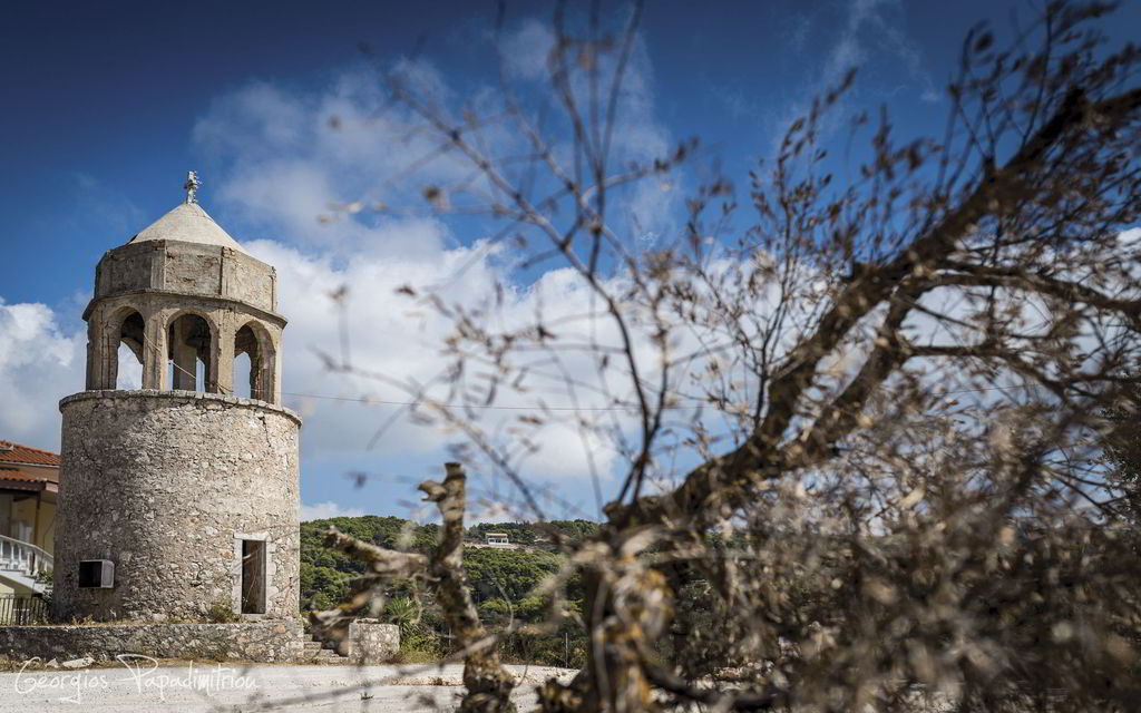 Stone Windmill in Ag. Leon. (© Georgios Papadimitriou)